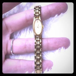 Pulsar quartz vintage chain ladies watch